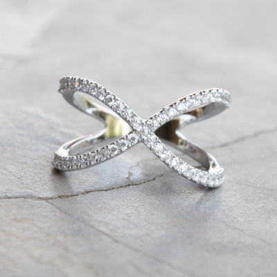 Cubic Zirconia X-shaped Ring