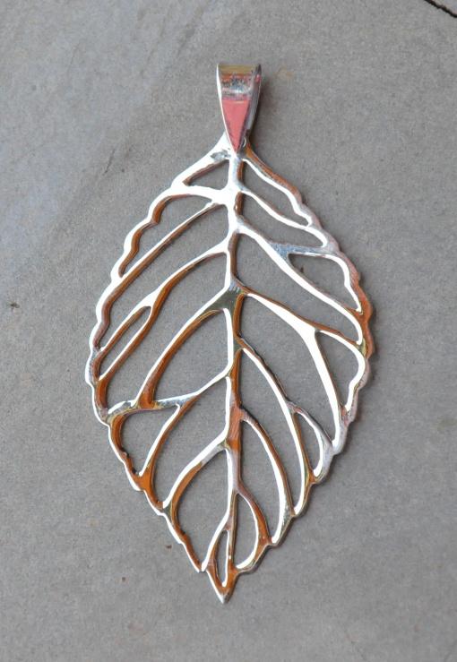 Silver Small Leaf Pendant