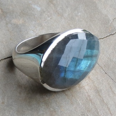 Oval Faceted Labradorite Ring