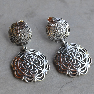 Sterling silver 2 flower detailed drop