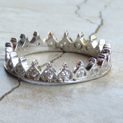 Crown Cubic Zirconia Band