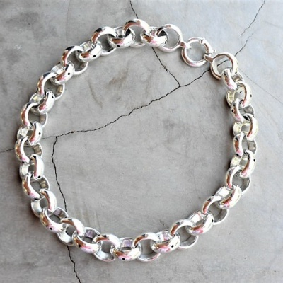 Sterling-silver-big-belcher-Necklace-45cm-R2750-WNES026-X-350cm-R3350-WNES027-X-360cm-R3990-WNES031-X-2-All-link-diameter-15cm-510x492[1]