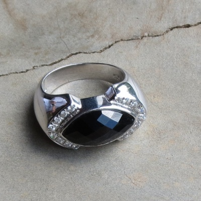 Elliptical Black Onyx Ring