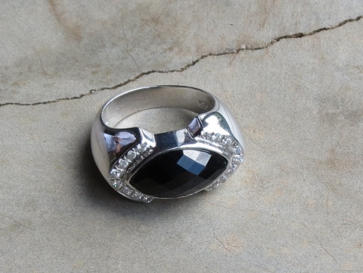 Sterling silver elliptical with Black onyx and CZ ring x 2 R580 RIBO004