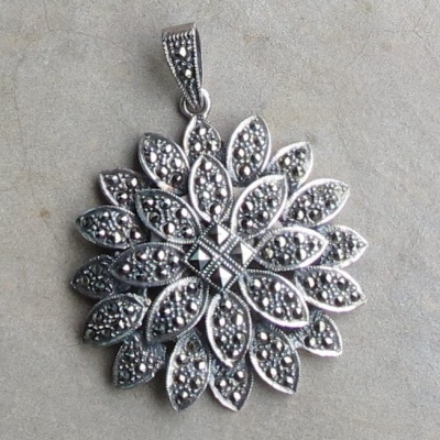 Sterling silver flower Marcasite pendant x 1 R850 PESM007(4cm)
