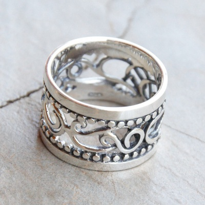 Sterling silver wide band detailed ring