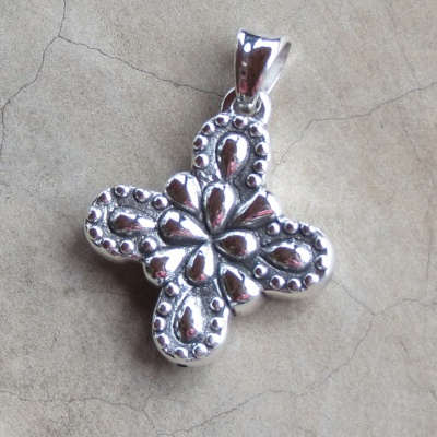 Silver Detailed Cross Pendant