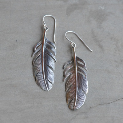 Sterling silver big feather drop R390 x 1 WERS033
