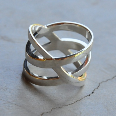 Criss Cross 3 Band Ring