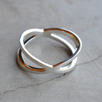 X-Shaped Ring
