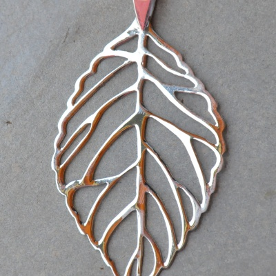 Silver Small Leaf Pendant