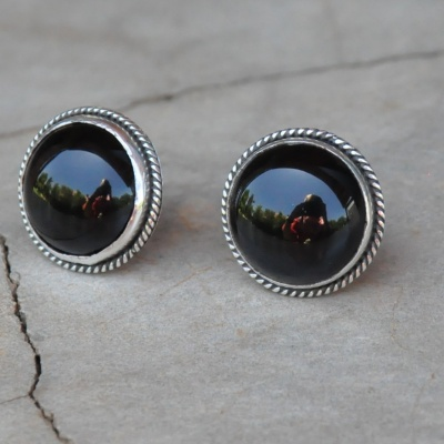 Sterling silver black onyx round stud R220 x 7 WERG005