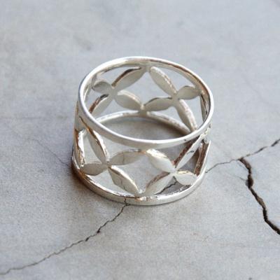 X Pattern Ring