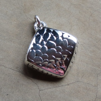Silver Square Detailed Pendant