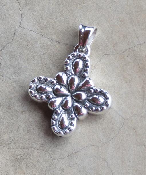 Silver Detailed Cross Pendant